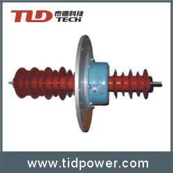 Dry composite train top bushing